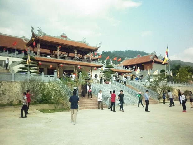 Lang Son aims to serve 2.9 million tourists in 2019 hinh anh 1
