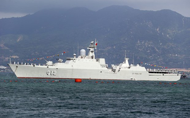 Vietnam's naval ship pays friendship visit to Myanmar hinh anh 1