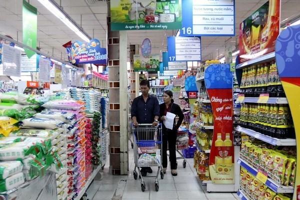 Retail sales, consumer service revenue rise 12 percent in Q1 hinh anh 1