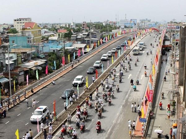 PM emphasises removing transport infrastructure bottleneck in Mekong Delta hinh anh 1