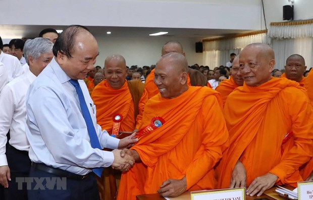 Prime Minister celebrates Chol Chnam Thmay festival with Khmer people hinh anh 1