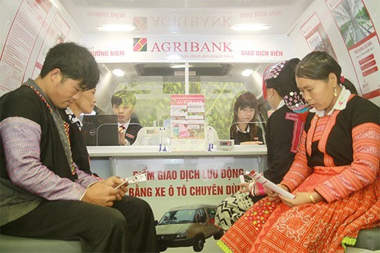 Agribank launches over 3,600 mobile transactions in remote areas hinh anh 1
