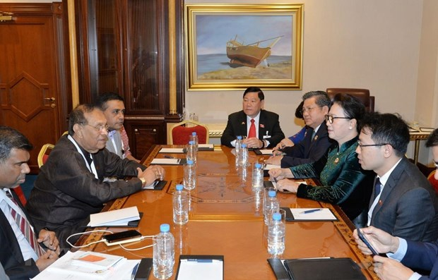 Vietnamese NA Chairwoman meets Sri Lankan counterpart hinh anh 1