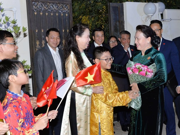 Vietnam wants to send more Vietnamese workers to Qatar: NA leader hinh anh 1