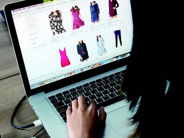 MoIT steps up fight against fake goods online hinh anh 1