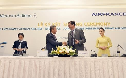 Vietnam Airlines, Air France celebrate one year of cooperation hinh anh 1