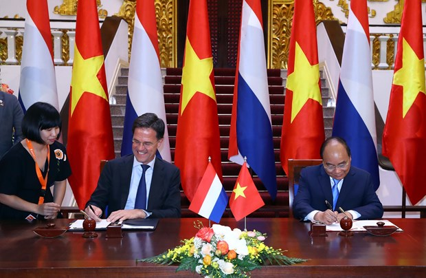 Vietnam, Netherlands issue joint statement hinh anh 1