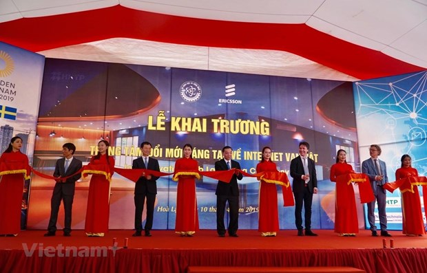 Vietnam's first IoT Innovation Hub launched hinh anh 1
