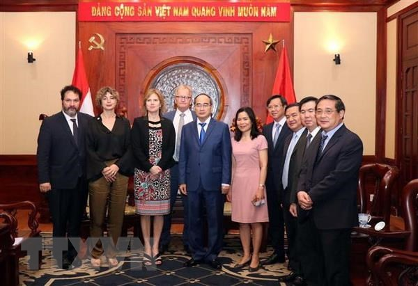 HCM City leader meets Dutch infrastructure minister hinh anh 1