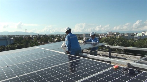 More comprehensive solutions needed for solar energy development hinh anh 1