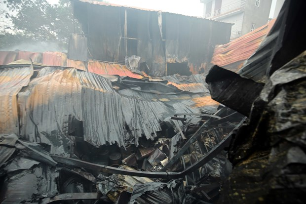 Hanoi: Eight killed, go missing in workshop blaze hinh anh 1