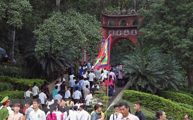 Guarding Hung King Temple once-in-a-lifetime honour hinh anh 1
