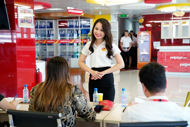 Vietjet recruits cabin crews to serve network development strategy hinh anh 1