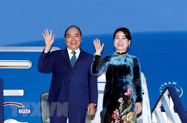 PM Nguyen Xuan Phuc begins official visit to Romania hinh anh 1
