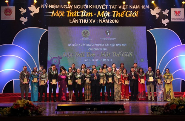 Music programme raises 25.7 billion VND for the disabled, orphans hinh anh 1