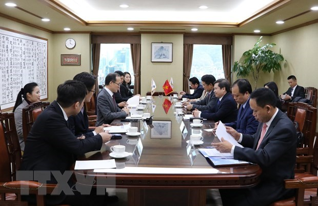 Vietnam wants to learn from RoK's experience in fighting corruption: official hinh anh 1