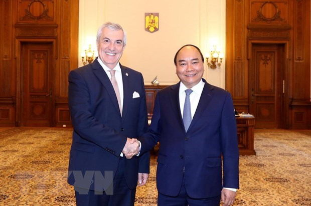 Vietnamese, Romanian leaders hope for further bilateral cooperation hinh anh 2