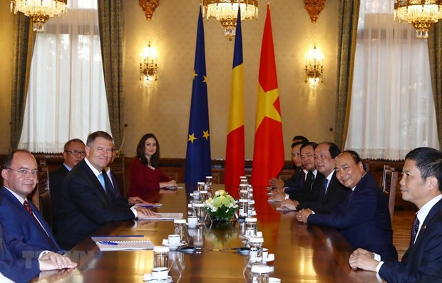 Vietnamese, Romanian leaders hope for further bilateral cooperation hinh anh 1