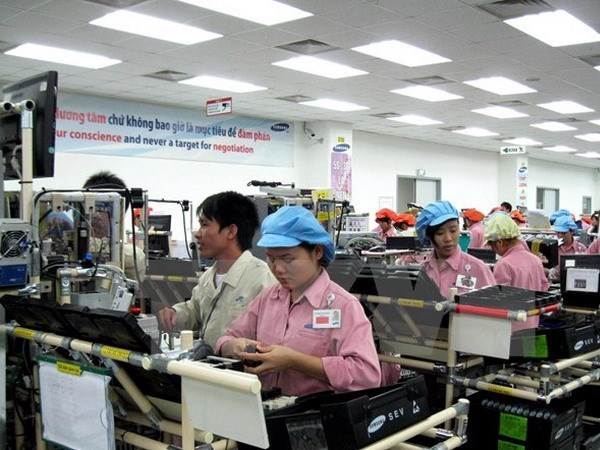 Samsung to train 100 Vietnamese consultants this year hinh anh 1