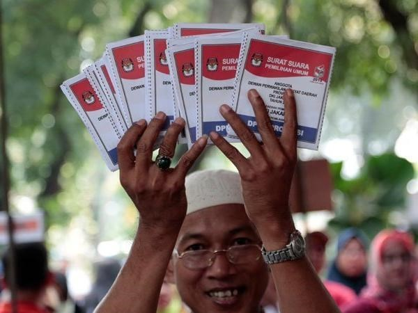 Indonesia's biggest election kicks off hinh anh 1
