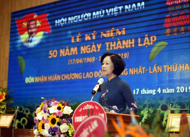 Party official calls for further support for blind community hinh anh 1