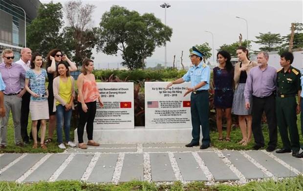 US delegation visits dioxin detoxification project in Da Nang hinh anh 1