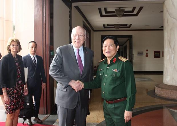 US Senate delegation visits Vietnam hinh anh 1