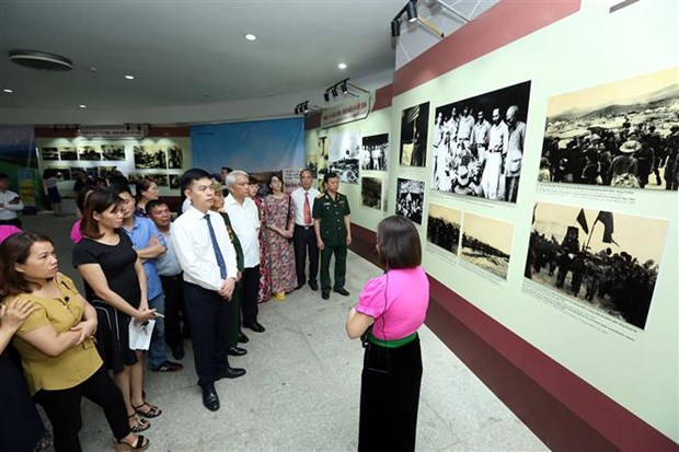 Exhibition opens on Dien Bien Phu victory hinh anh 1