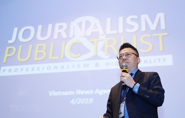 OANA 44: How to deal with fake news in modern journalism? hinh anh 1