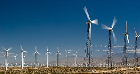 US continues to impose anti-dumping taxes on Vietnamese wind turbines hinh anh 1