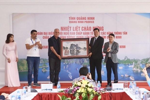 Quang Ninh chairman receives OANA delegation hinh anh 1