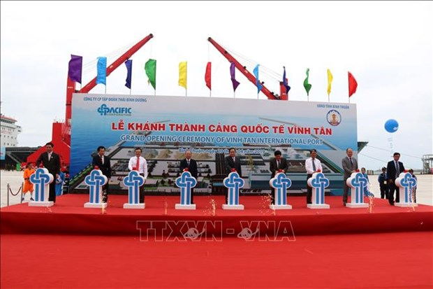 Vinh Tan international seaport inaugurated hinh anh 1