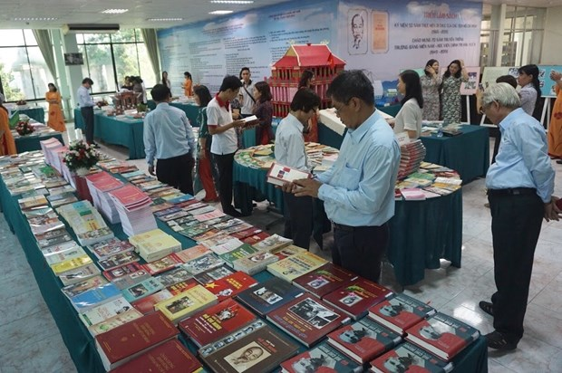 Book exhibition marks 50 years of President Ho Chi Minh's testament hinh anh 1
