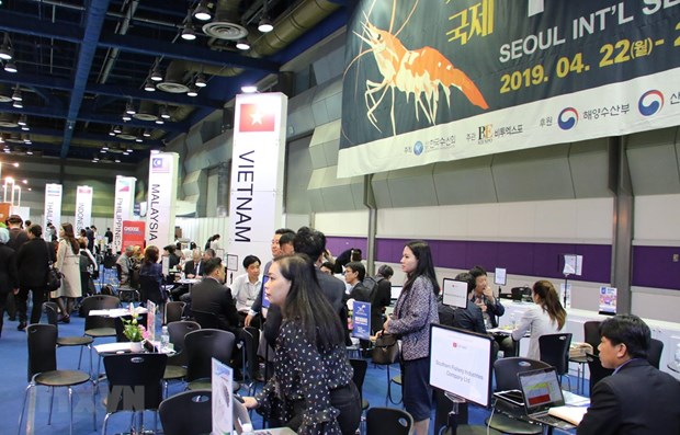 Vietnamese products introduced at Seoul Int'l Seafood Show hinh anh 1