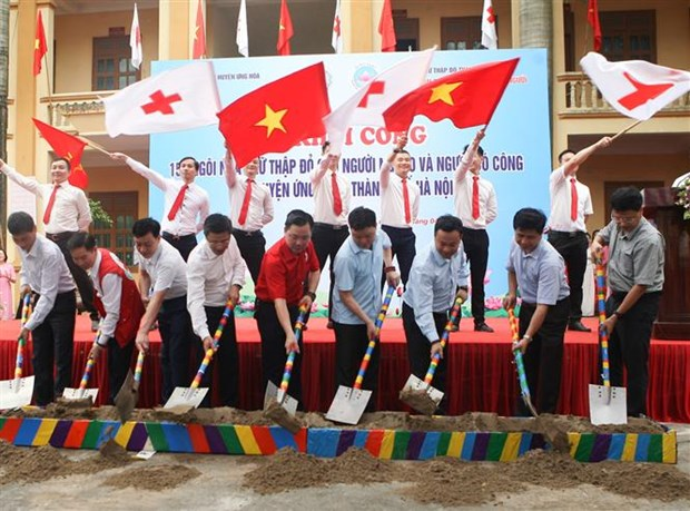 Work on 154 Red Cross houses begins in Hanoi hinh anh 1