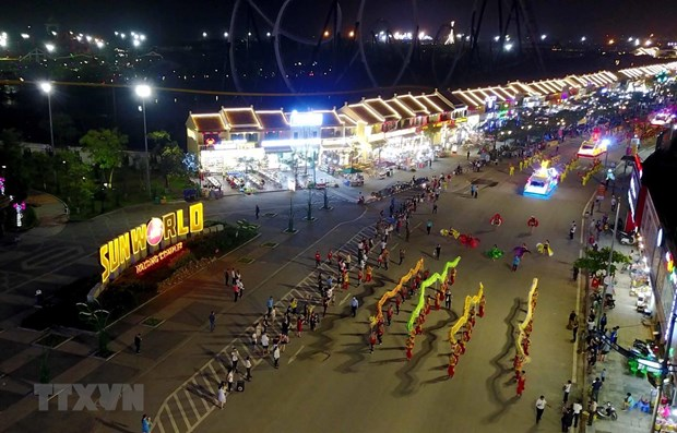 Carnival Ha Long returns in indoor version hinh anh 1