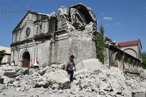 Death toll of Philippines earthquake continues rising hinh anh 1