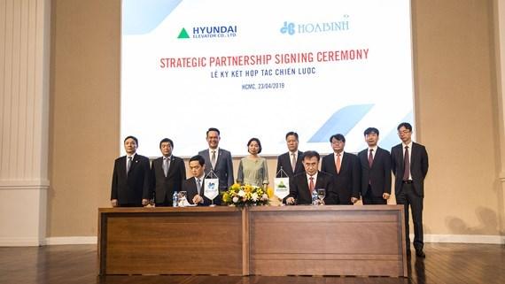 Vietnamese, RoK firms set up strategic partnership hinh anh 1
