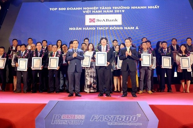 SeABank listed among Vietnam's 500 fastest growing firms hinh anh 1