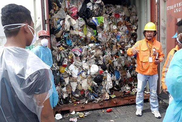 Philippines threatens to declare war against Canada on waste issue hinh anh 1