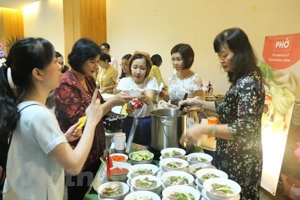 ASEAN Charity Food Fair takes place in Indonesia hinh anh 1