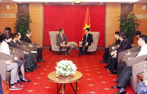 Vietnam pays heed to resolving issues in ties with Japan hinh anh 1