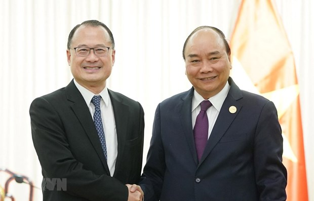 PM meets with representatives from Chinese firms hinh anh 1