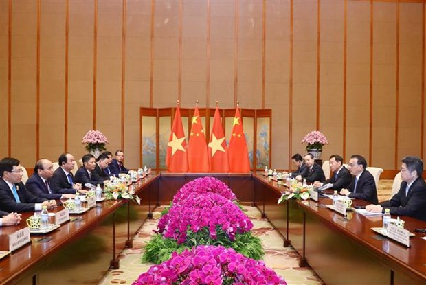 Prime Minister holds talks with Chinese Premier hinh anh 1
