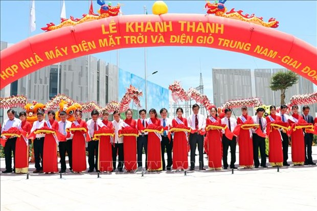 Cluster of solar power plants inaugurated in Ninh Thuan hinh anh 1