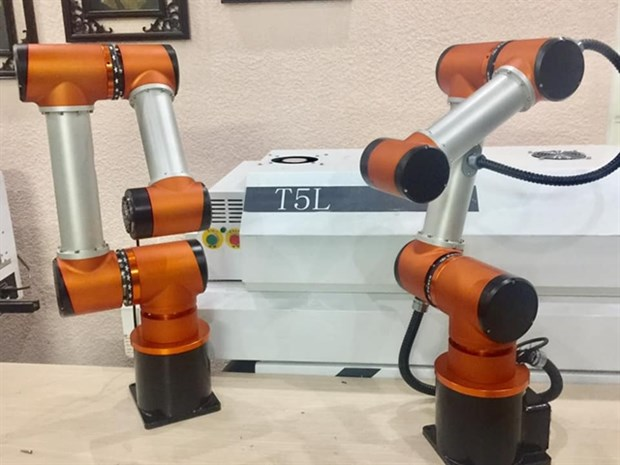 Robot designers helps SMEs thrive and cut costs hinh anh 1