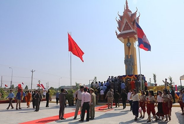 15th Vietnam-Cambodia Friendship Monument inaugurated in Cambodia hinh anh 1
