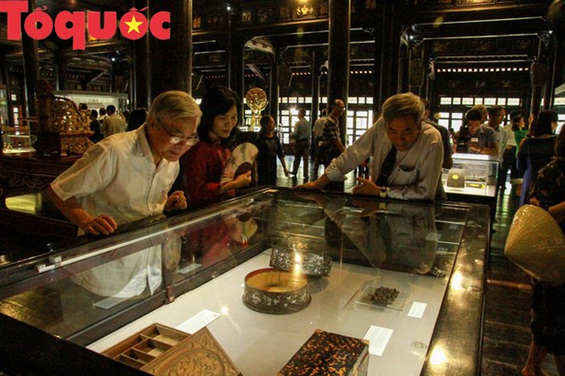 Exhibition features imperial workshops of Nguyen Dynasty hinh anh 1