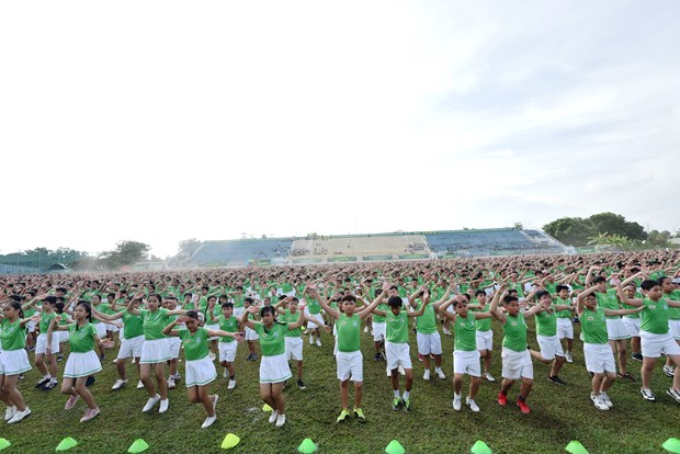Mass physical exercise breaks record in Vietnam hinh anh 1