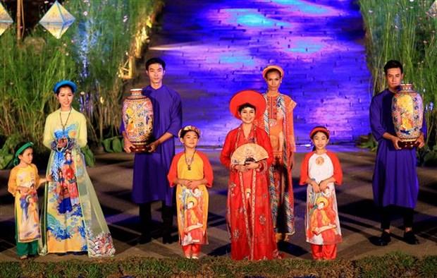 Thua Thien-Hue hosts ao dai festival hinh anh 1